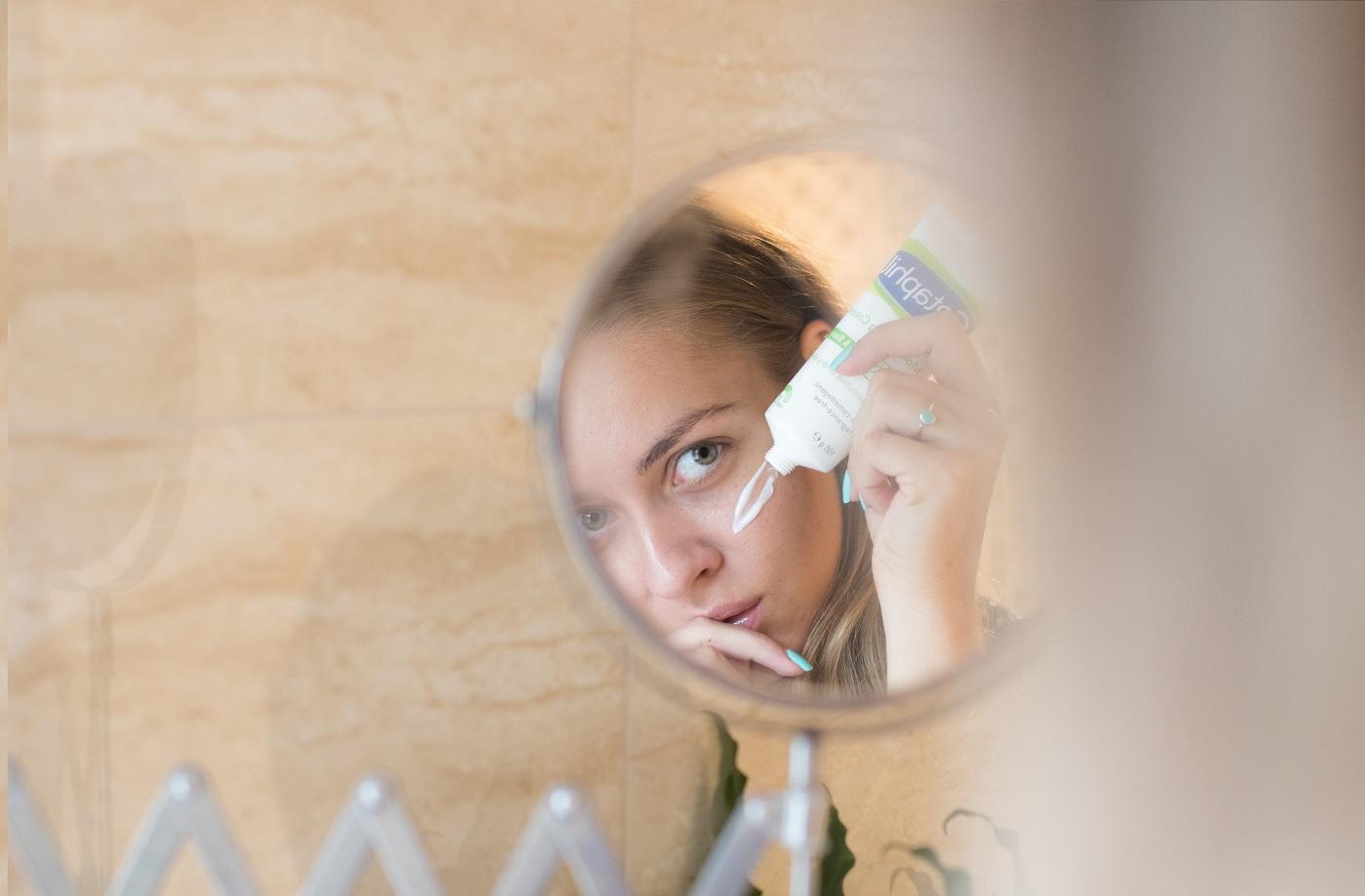 terhessg s pikkelysömör az arcon hogyan kell kezelni pikkelysömör szokatlan kezelse