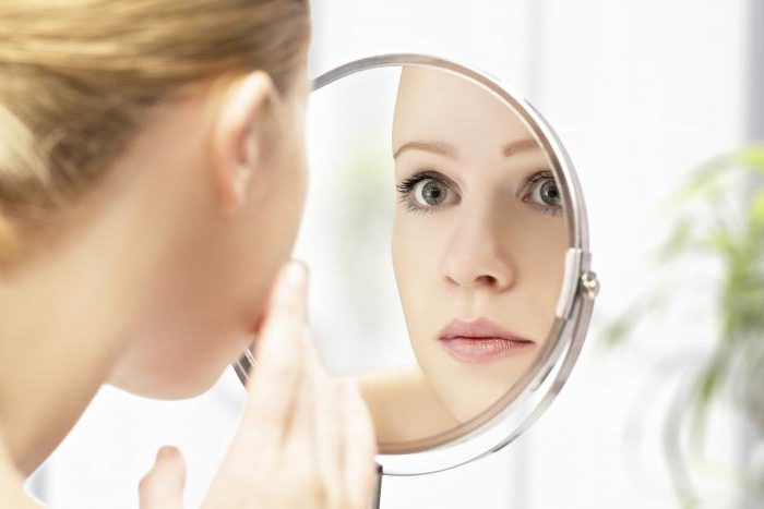 hogyan lehet eltávolítani a vörös foltokat az arc sebében
