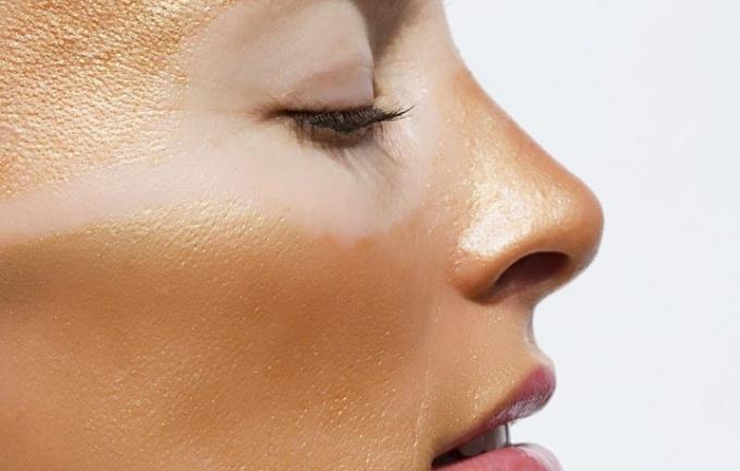 sürgősen távolítsa el a vörös foltokat az arcról pikkelysömör kezelése hol kell kezdeni