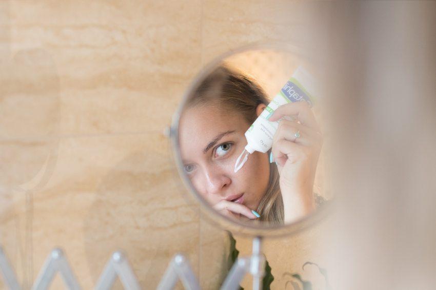 pikkelysömör kezelése a fején hideg vízzel)