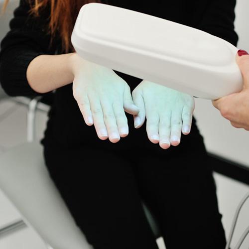 fésű pikkelysömör kezelésére ultraibolya fénnyel)