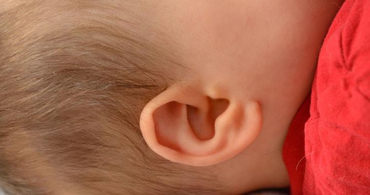 hogyan kezeljük a fül pikkelysömörét)