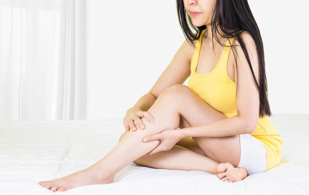 vörös folt, tömítéssel a láb belső részén