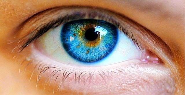 hogyan lehet eltávolítani a vörös foltot a szemről)