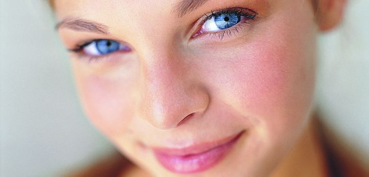 hogyan lehet megszabadulni az arc vörös pelyhes foltjaitól