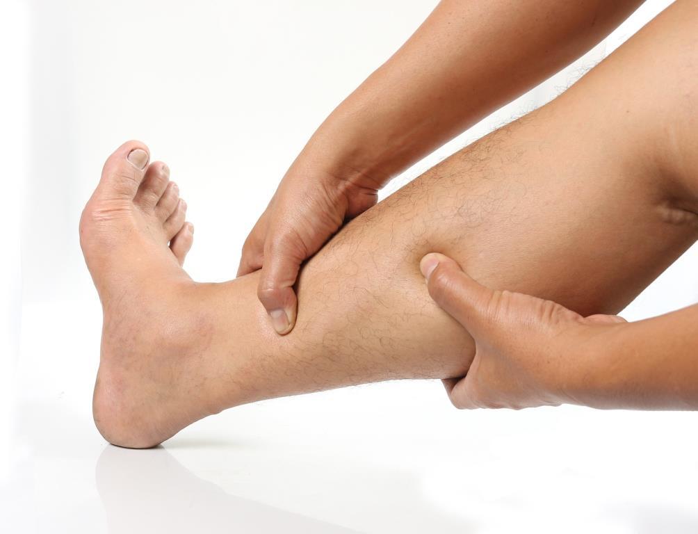 miért duzzadnak a lábak és vörös foltok jelennek meg vörös foltok a lábszárcsontokon mi ez